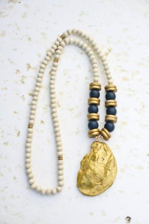 Oyster Necklace, Black