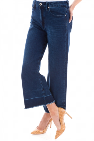 Wide Leg Raw Hem Jeans
